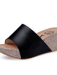 billige -Damer Sandaler Slingback Sko PU Sommer Afslappet Gang Slingback Sko Kombination Kilehæl Hvid Sort 7,5-9,5 cm