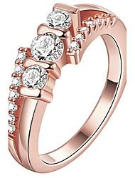 Bague Bague de fiançailles Cristal Mode Personnalisé euroaméricains Bijoux de Luxe Cristal Cuivre Plaqué or Plaqué Or Rose Or Or Rose