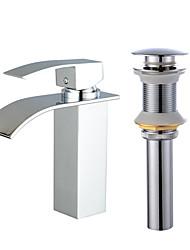 Недорогие -Смеситель - Водопад Электропокрытие По центру Одной ручкой одно отверстиеBath Taps
