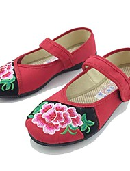 Mulheres Sapatos Tecido Primavera Outono Conforto Rasos Sem Salto Ponta Redonda Flor Colchete para Casual Social Preto Vermelho