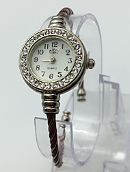 Femme Montre Tendance Montre Bracelet Quartz Métallique Bande Bracelet Pour tous les jours Rouge