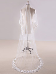 cheap -One-tier Lace Applique Edge Wedding Veil Chapel Veils Cathedral Veils With Applique Lace Tulle