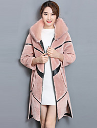 Women's Going out Street chic Winter Fur Coat,Solid Color Block Hooded Long Sleeve Regular Wool Polyester Fur Trim