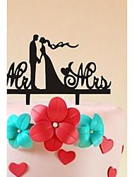 la lettera è decorata con la torta inserita nella torta nuziale della sposa