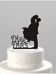 la torta acrilica inserisce le decorazioni della torta nuziale della sposa e dello sposo