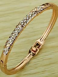 Недорогие -Жен. Синтетический алмаз Браслет разомкнутое кольцо Классика Стразы Браслет Ювелирные изделия Розовое золото Назначение Для вечеринок Для сцены