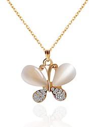 Недорогие -Жен. Бабочка Ожерелья-бархатки Ожерелья с подвесками Ожерелья-цепочки Стразы Стразы Сплав Ожерелья-бархатки Ожерелья с подвесками