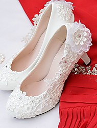 cheap -Women's Shoes Lace / Leatherette Spring / Fall Comfort Wedding Shoes Round Toe Rhinestone / Imitation Pearl / Appliques White