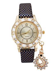 preiswerte -Damen Armbanduhr Modeuhr Quartz Schlussverkauf Leder Band Charme Schwarz Weiß Blau Rot Braun Gold Rosa Lila