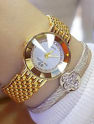 baratos -Mulheres Relógio de Pulso Japanês Aço Inoxidável Banda Amuleto Prata / Dourada