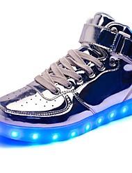 preiswerte -Herrn Schuhe Lackleder Frühling / Winter Komfort / Leuchtende LED-Schuhe Sportschuhe Walking Schwarz / Silber / Rot