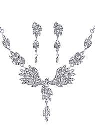 abordables -Femme Strass Ensemble de bijoux 1 Collier / Boucles d'oreille - Grande occasion / Mode / Doux Ailes / Plume Argent Nuptiales Parures Pour