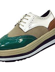 preiswerte -Damen Schuhe PU Frühling Herbst Komfort Outdoor Creepers für Grün Schwarz / weiss Schwarz / Rot