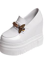 Недорогие -Жен. Обувь Полиуретан Весна Удобная обувь Мокасины и Свитер Высокий каблук Аппликации для Повседневные Белый Черный