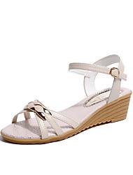 preiswerte -Damen Schuhe PU Frühling Komfort Sandalen Niedriger Heel für Draussen Weiß / Blau