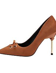 baratos -Mulheres Sapatos Camurça Primavera Outono Conforto Saltos Salto Agulha Dedo Fechado Tachas para Escritório e Carreira Preto Marron