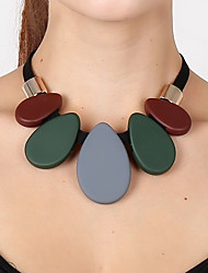 Недорогие -Жен. Цветной Свисающие Ожерелья с подвесками  -  Цветной Массивный Мода Темно-зеленый Ожерелье Назначение Для вечеринок Подарок Выпускной