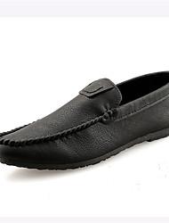 baratos -Homens Sapatos de Condução Couro Sintético Primavera / Verão Conforto Mocassins e Slip-Ons Preto / Vinho