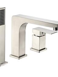 Недорогие -Смеситель для ванны - Современный / Античный Матовый никель Римская ванна Керамический клапан Bath Shower Mixer Taps / Две ручки три отверстия