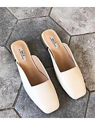 Недорогие -Жен. Обувь Полиуретан Весна / Осень Удобная обувь Башмаки и босоножки На плоской подошве Белый / Черный