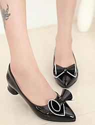 Недорогие -Жен. Обувь Полиуретан Весна Осень Удобная обувь Обувь на каблуках На толстом каблуке для Белый Черный Красный
