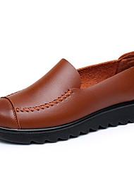 povoljno -Žene Cipele PU Proljeće Jesen Udobne cipele Natikače i mokasinke Ravna potpetica za Kauzalni Crn Braon