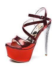 abordables -Mujer Zapatos Semicuero Verano Confort Sandalias Tacón Stiletto Punta abierta Hebilla Blanco / Plata / Rojo / Fiesta y Noche