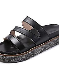 abordables -Femme Chaussures Polyuréthane Printemps / Eté Confort Chaussons & Tongs Creepers Bout rond Noir / Beige
