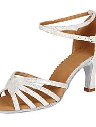Недорогие -Жен. Обувь для латины Лакированная кожа / Искусственная замша Сандалии / На каблуках Пряжки / В мелкую точку / В горошек На толстом