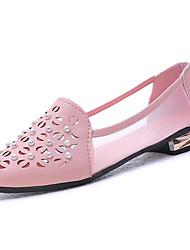 Недорогие -Жен. Обувь Полиуретан Лето Удобная обувь На плокой подошве На низком каблуке Круглый носок Искусственный жемчуг Белый / Бежевый / Розовый