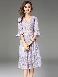 Недорогие -Жен. Изысканный Вспышка рукава Тонкие А-силуэт Платье - Контрастных цветов, Кружева V-образный вырез До колена