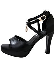 Недорогие -Жен. Обувь Кожа / Синтетика Лето Удобная обувь Сандалии Для прогулок На шпильке Открытый мыс Белый / Черный