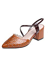 abordables -Femme Chaussures Polyuréthane Eté Confort Sandales Talon Bottier Bout pointu Beige / Marron / Soirée & Evénement