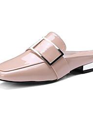 Mujer Zapatos Cuero de Napa Verano Confort Zuecos y pantuflas Tacón Bajo Blanco / Negro Sortie Avec Paypal Coût De La Vente Pas Cher Prix Réel Pas Cher Expédition Prix Pas Cher Bas Frais De Prix Ek64LhCs