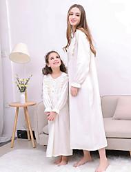Недорогие -Мама и я Активный Повседневные Однотонный Длинный рукав Платье Белый
