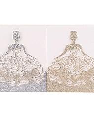 Недорогие -Открытка-карман Свадебные приглашения Пригласительные билеты / Приглашения на вечеринку по случаю помолвки Жених-невеста Нетканая бумага