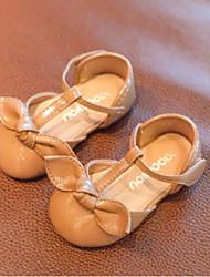 Недорогие -Девочки Обувь Полиуретан Весна лето Обувь для малышей На плокой подошве Бант для Дети (1-4 лет) Черный / Хаки