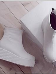Недорогие -Жен. Обувь Полиуретан Наступила зима Удобная обувь / Модная обувь Ботинки Туфли на танкетке Закрытый мыс Сапоги до середины икры Белый / Черный