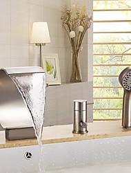 Недорогие -Смеситель для ванны - Современный / Фиксированный Матовый Ванна и душ Керамический клапан Bath Shower Mixer Taps / Три ручки Три отверстия