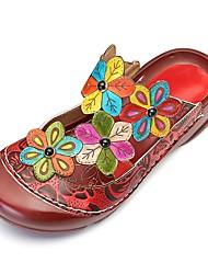 Недорогие -Жен. Комфортная обувь Кожа Лето Башмаки и босоножки На плоской подошве Красный