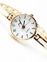 Недорогие -Жен. Часы-браслет Наручные часы Кварцевый Золотистый Новый дизайн Повседневные часы Аналоговый Дамы Элегантный стиль минималист - Золотой