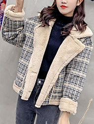 baratos -jaqueta saindo de mulheres - bloco de cor