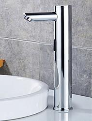 Недорогие -Смеситель - Датчик / Новый дизайн Нержавеющая сталь Свободно стоящий Руки свободно одно отверстиеBath Taps