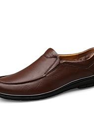 baratos -Homens Sapatos Confortáveis Pele Napa Inverno Clássico / Vintage Tênis Manter Quente Preto / Castanho Escuro / Festas & Noite