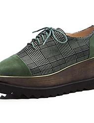 Недорогие -Жен. Замша / Овчина Осень Туфли на шнуровке Туфли на танкетке Закрытый мыс Черный / Зеленый