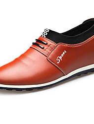 baratos -Homens Sapatos Confortáveis Pele Primavera Oxfords Preto / Marron