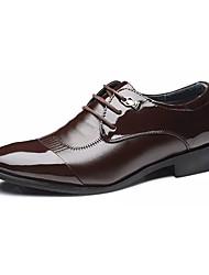 Недорогие -Муж. Комфортная обувь Полиуретан Весна Английский Туфли на шнуровке Дышащий Черный / Коричневый