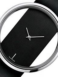 Недорогие -Для пары Нарядные часы Кварцевый Формальный Кожа Черный / Белый Повседневные часы Аналоговый Мода - Белый Черный Один год Срок службы батареи / Нержавеющая сталь