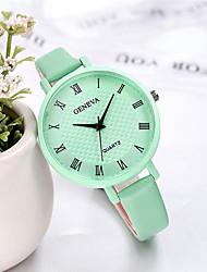 Недорогие -Женева женские часы конфеты цвет маленький ремешок модные повседневные часы