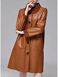 Недорогие -Жен. Повседневные Длинная Пальто, Однотонный Отложной Длинный рукав Полиуретановая Коричневый / Черный